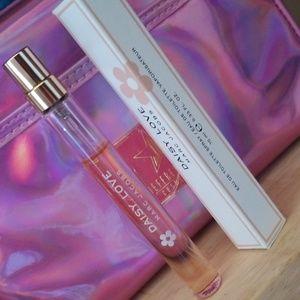 MARC JACOBS Daisy Love purse spray